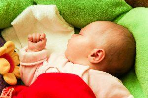 שינת תינוקות שינה טובה - שירי אוסטרובסקי יועצת שינה לתינוקות
